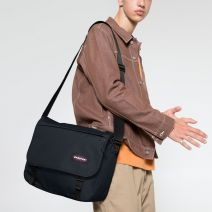 Sacoche Eastpak Delegate + 22S Cloud Navy